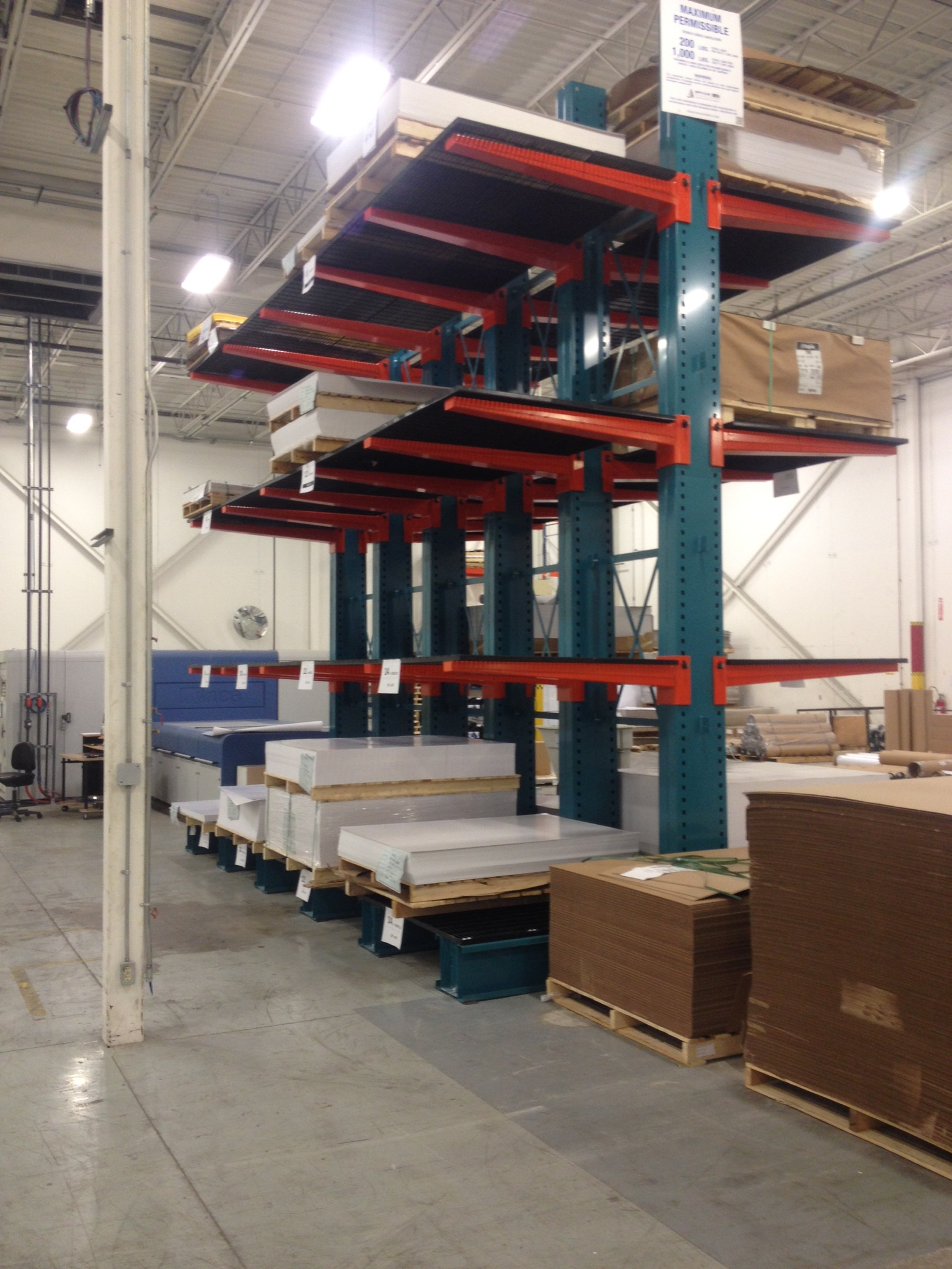 Cantilever Racking With Decking Space Aid Manufacturing